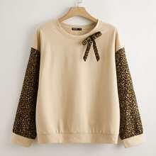 Sweatshirt mit Gepard Muster und Schleife vorn