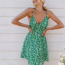 Slip Kleid mit offener Rueckseite und Bluemchen Muster