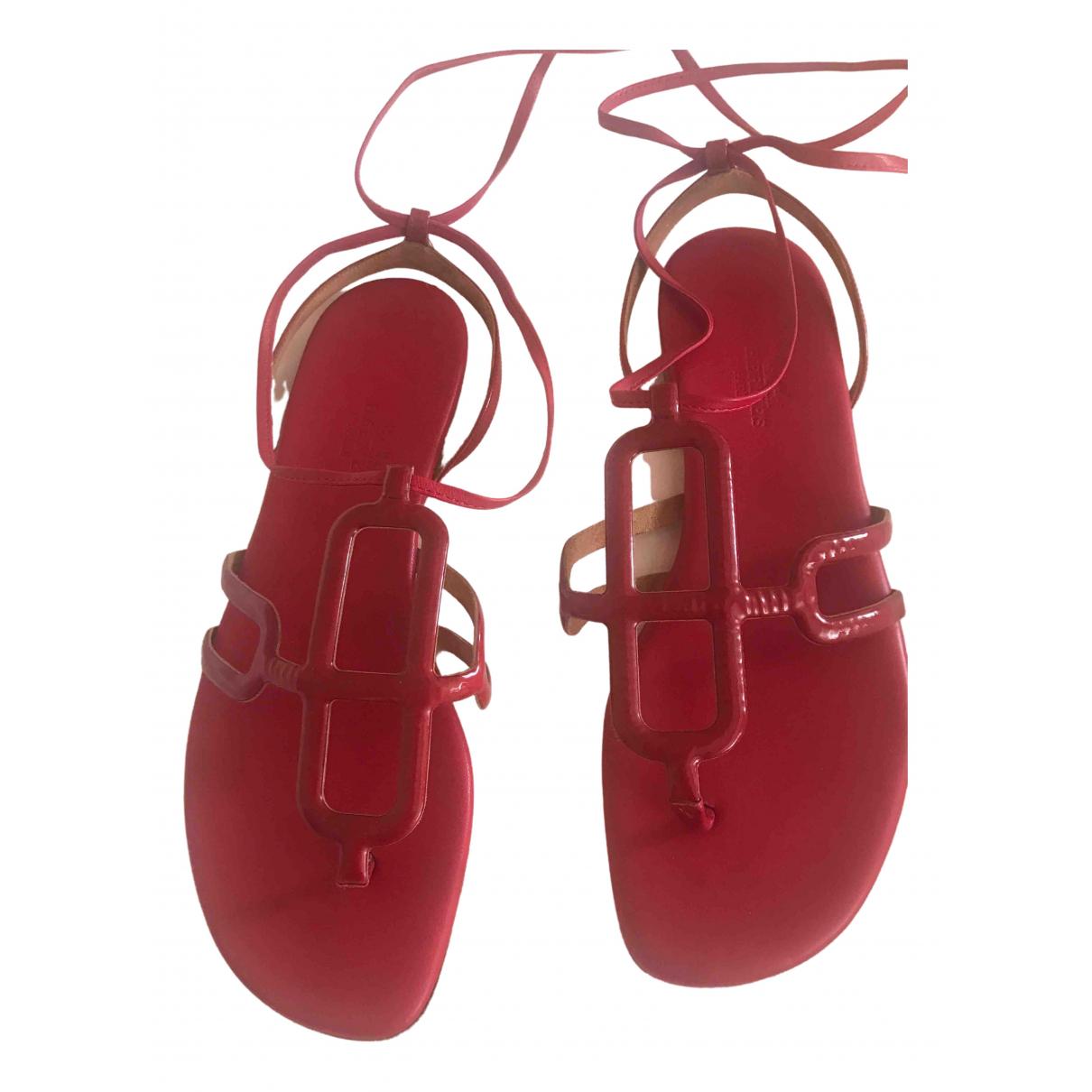 Hermes \N Sandalen in  Rot Lackleder