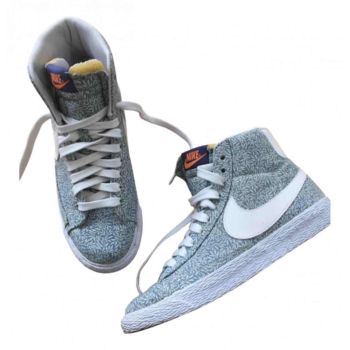 Deportivas Blazer de Lona Nike