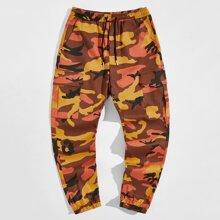 Pantalones cargo de cintura con cordon de camuflaje