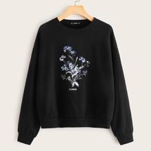 Pullover mit Blumen und Buchstaben Grafik