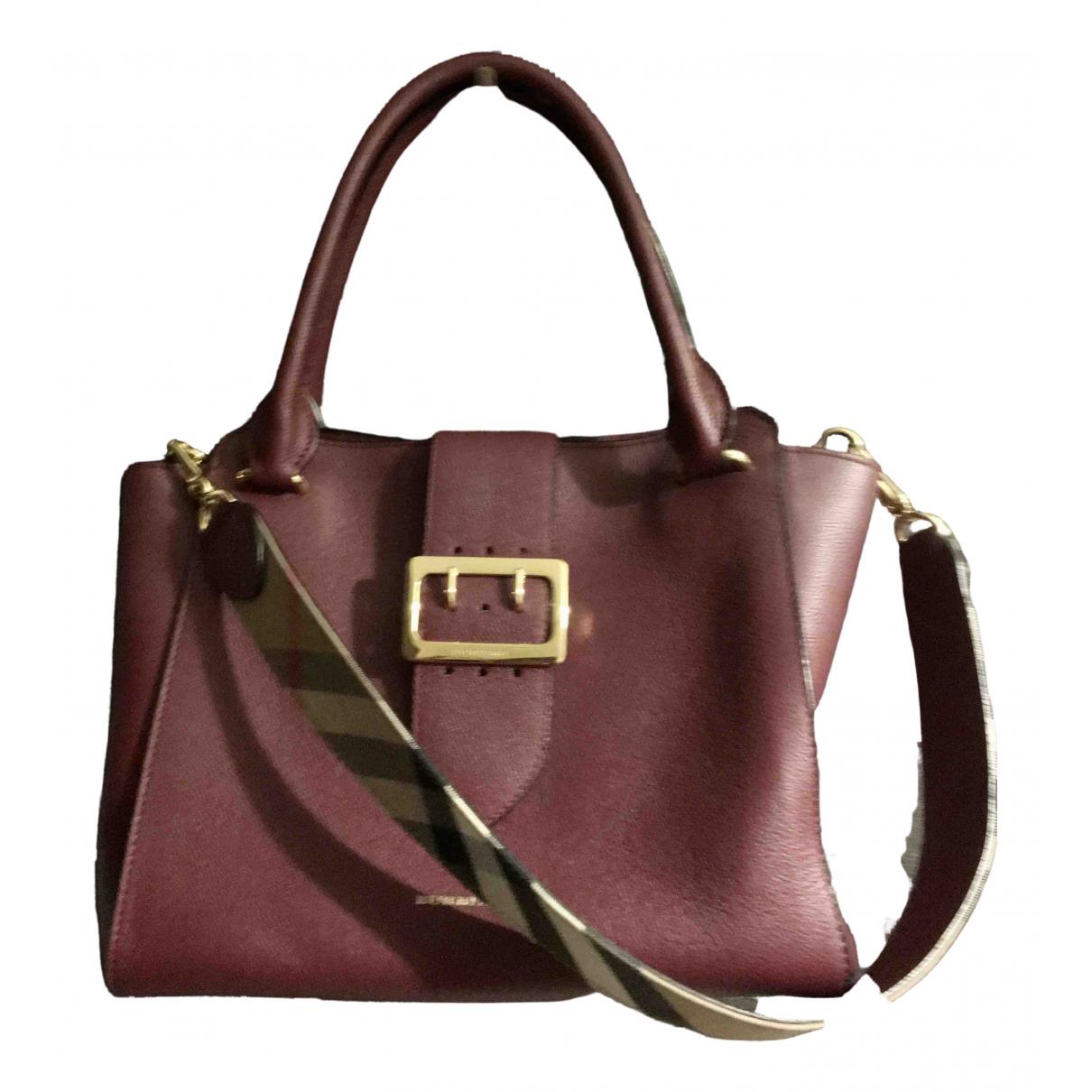 Burberry \N Handtasche in  Bordeauxrot Leder