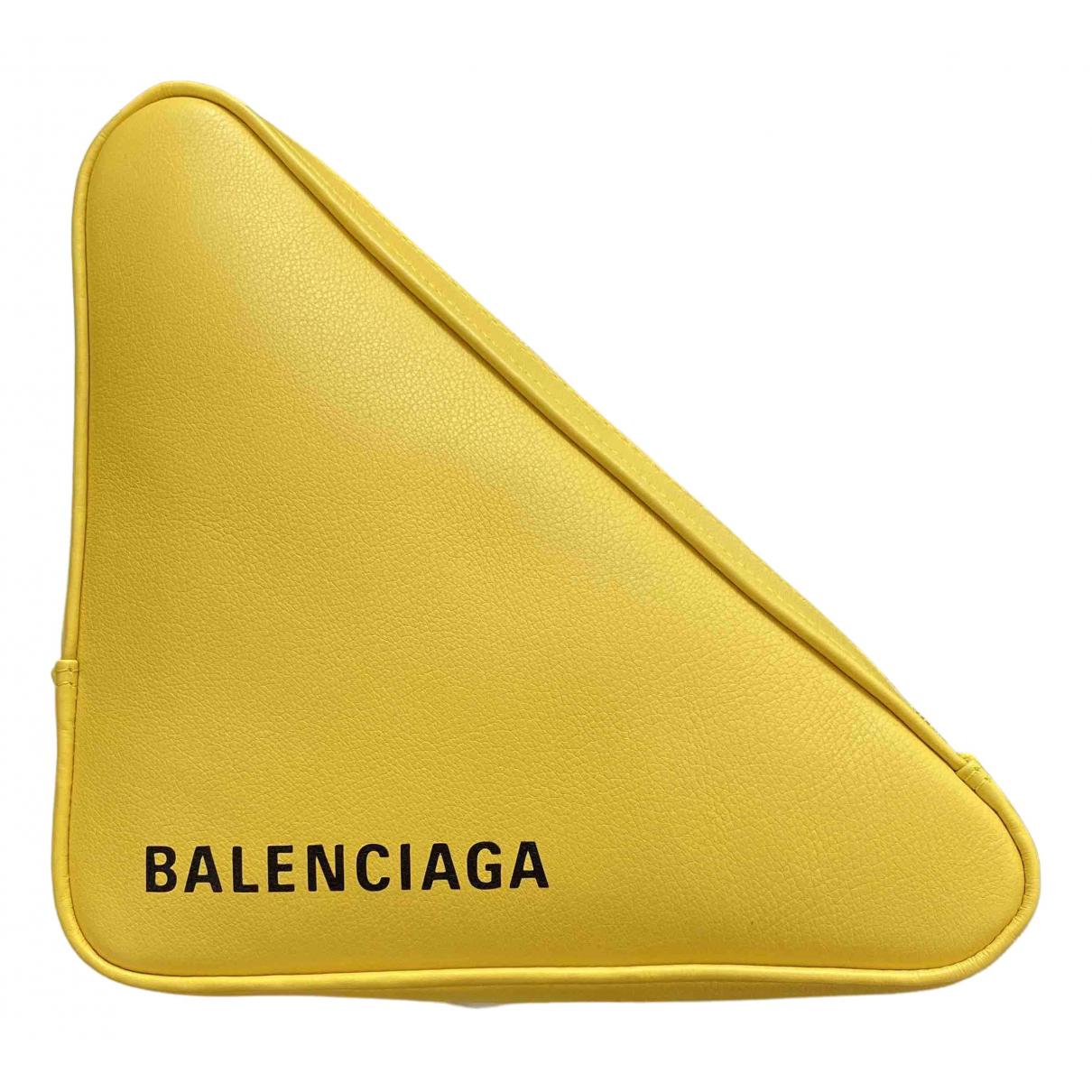 Balenciaga Triangle Clutch in  Gelb Leder