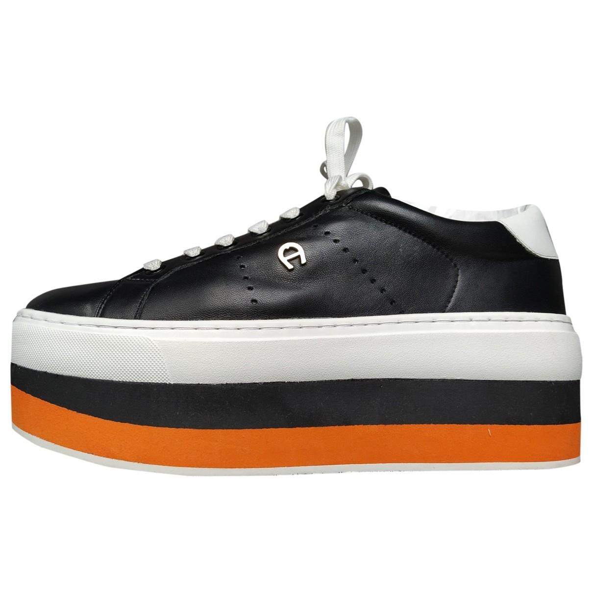Aigner \N Sneakers in  Schwarz Leder