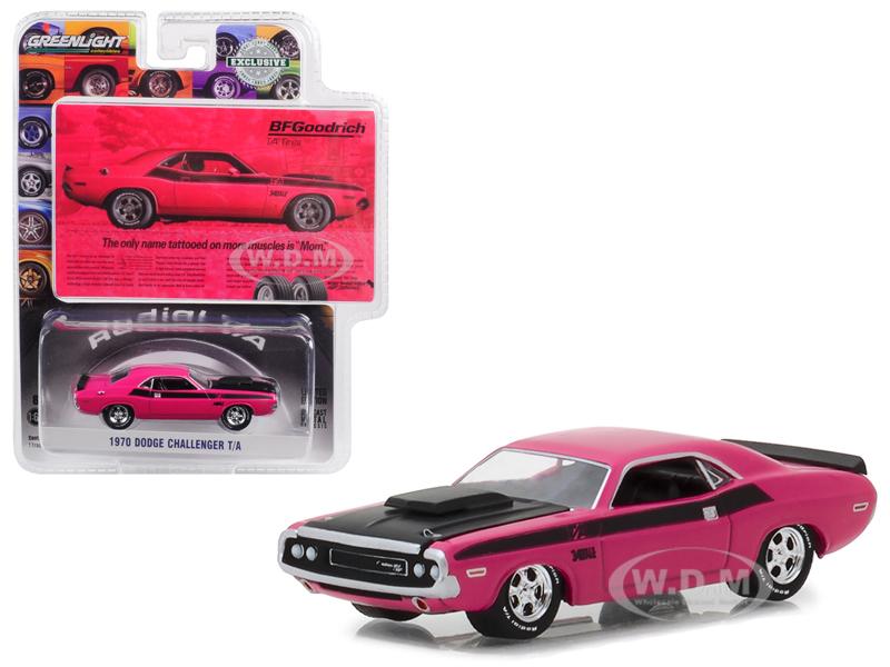 1970 Dodge Challenger Pink