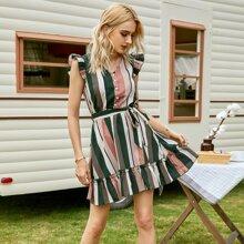 Kleid mit Streifen, halber Knopfleiste, Raffungsaum und Guertel