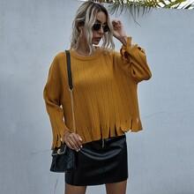 Pullover mit sehr tief angesetzter Schulterpartie und Fransen