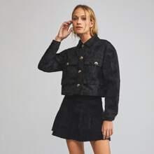 Jacke mit Kragen, Knopfen vorn und Taschen Flicken