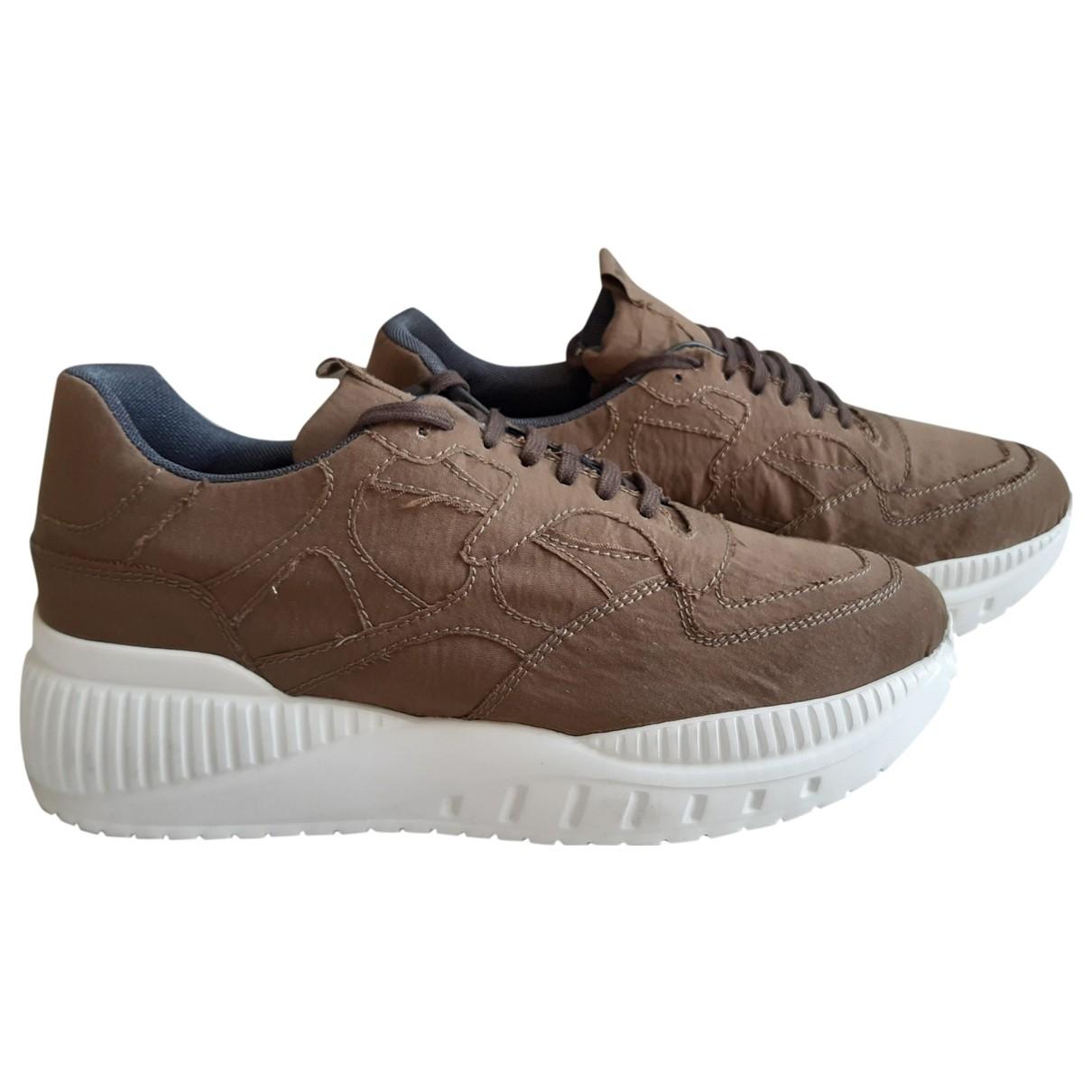 Emporio Armani \N Sneakers in  Braun Leinen