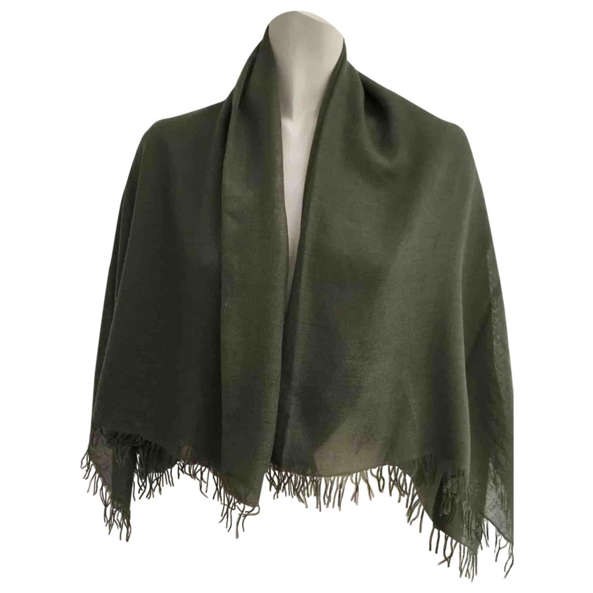 Non Signe / Unsigned \N Schal in  Gruen Wolle