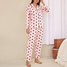 Schlafanzug Set mit Herzen Muster, Knopfen vorn und Reverskragen