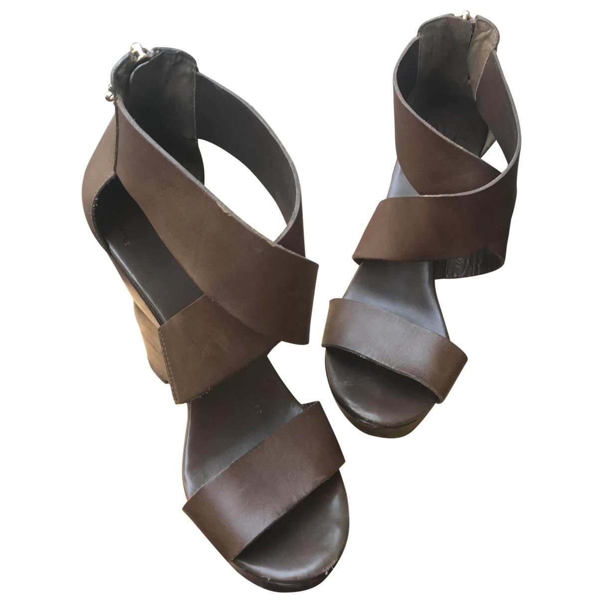 Sandalias de Cuero Diane Von Furstenberg
