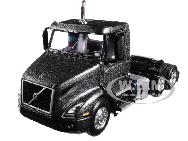 Volvo VNR 300 Day Cab Stormy Gray Metallic 1/64 Diecast Model by First Gear
