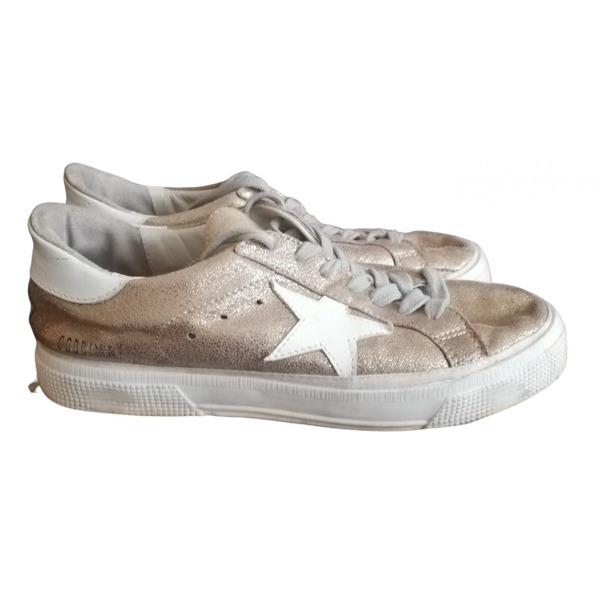 Golden Goose May Sneakers in  Gold Mit Pailletten