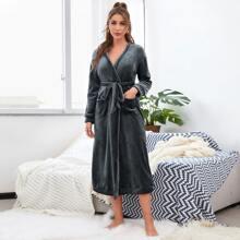 Flanell Lounge Robe mit doppelten Taschen und Selbstband