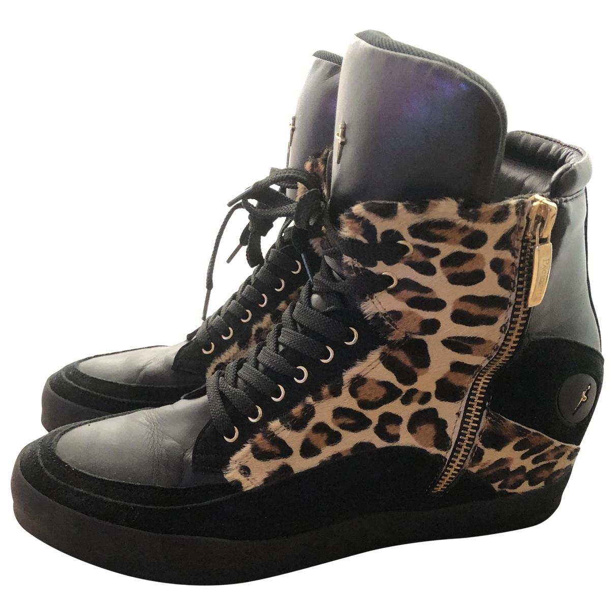 Cesare Paciotti \N Black Leather Heels for Women 40 EU