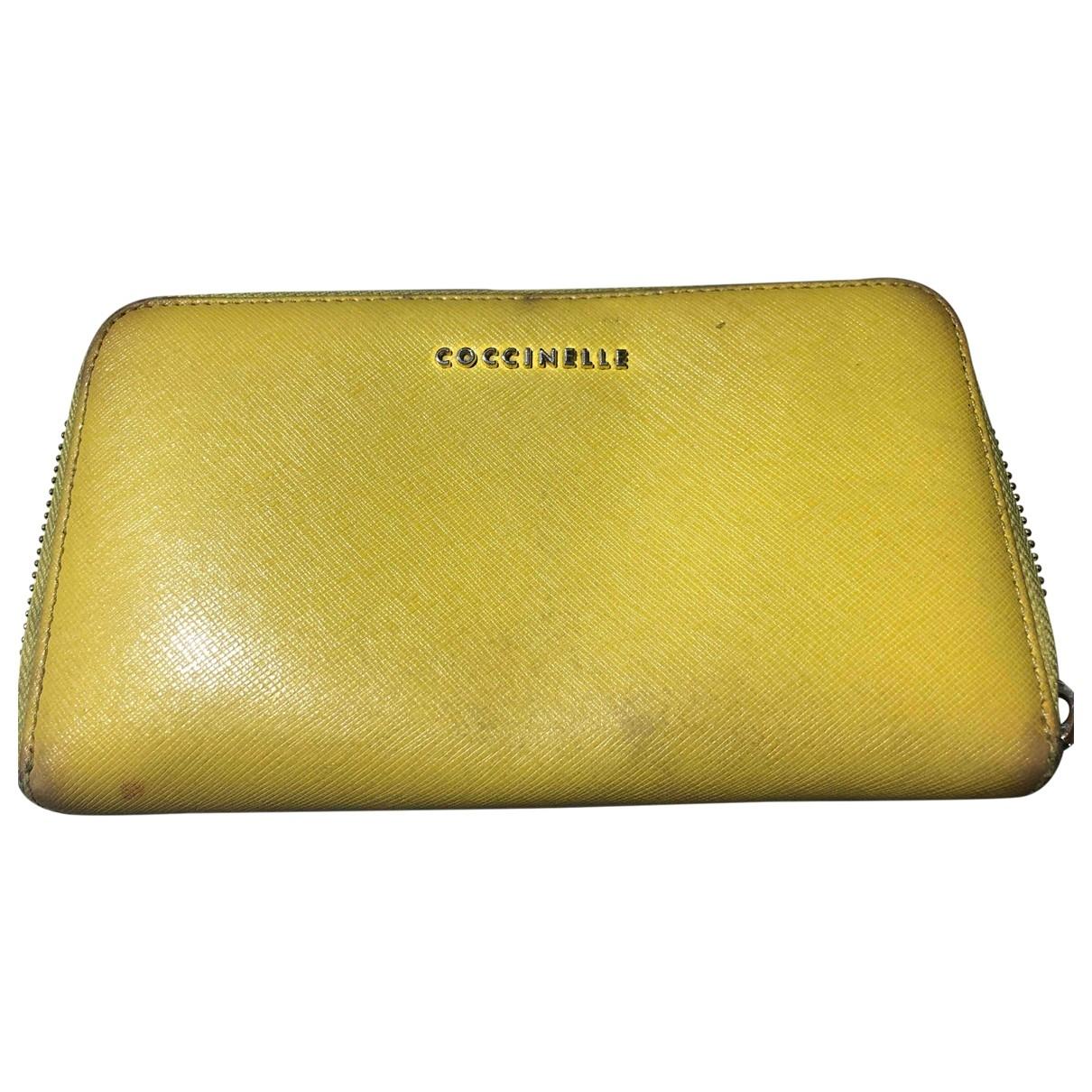 Coccinelle - Portefeuille   pour femme en cuir - jaune