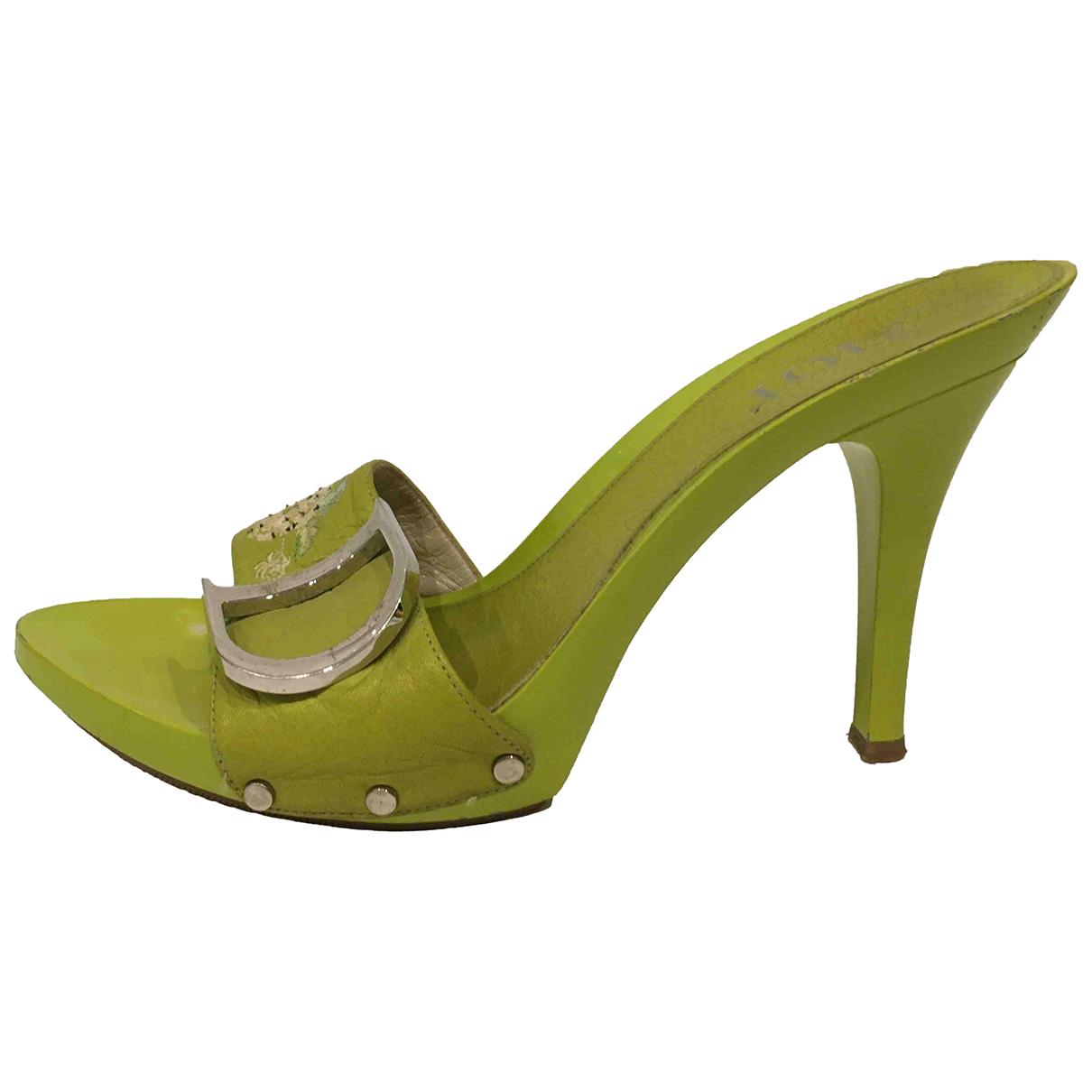 Dior \N Clogs in  Gruen Leder