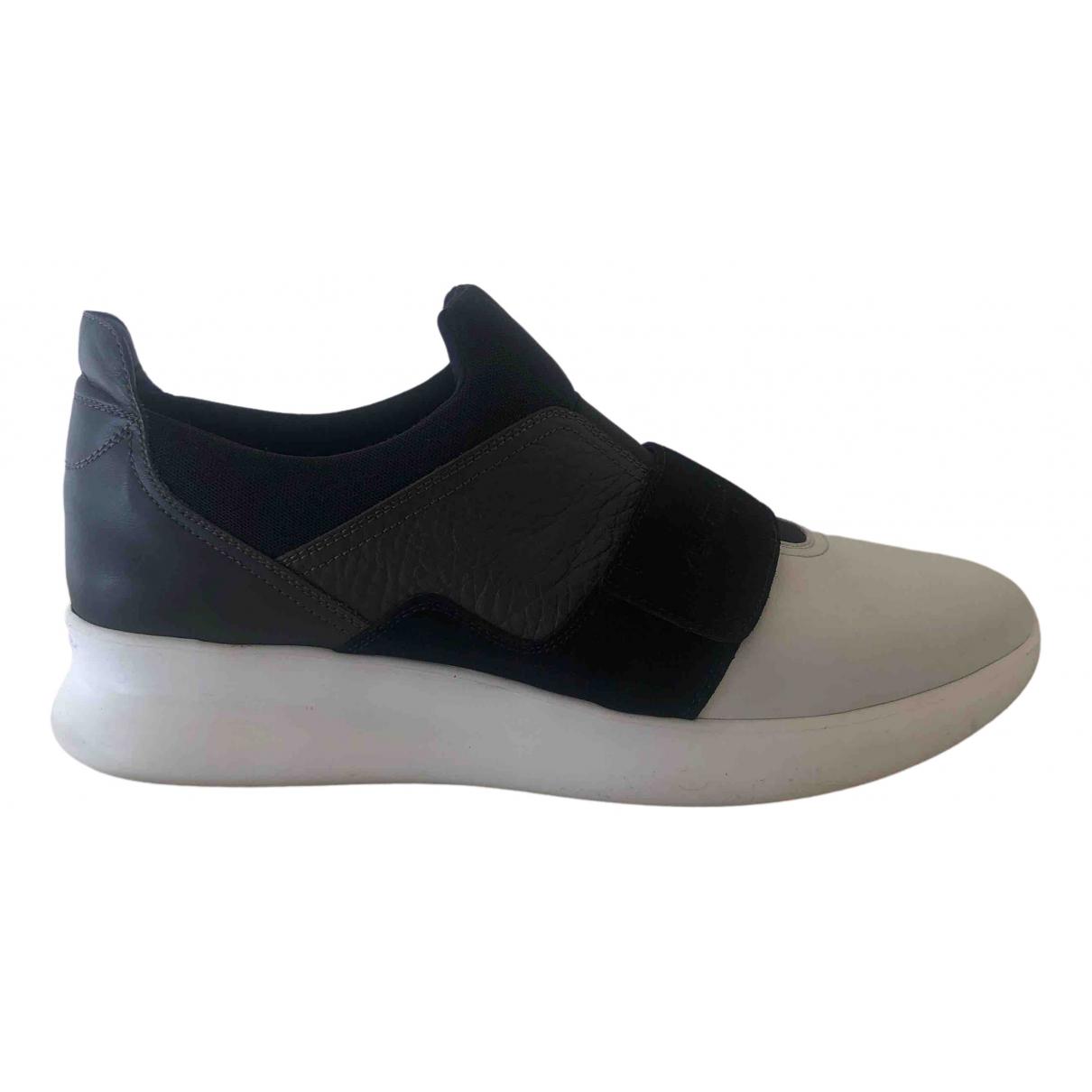Salvatore Ferragamo \N Sneakers in  Schwarz Leder