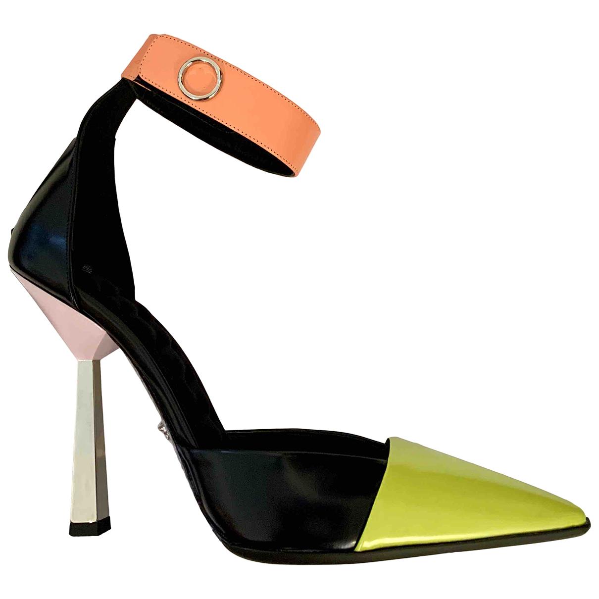 Versace \N Pumps in  Bunt Leder
