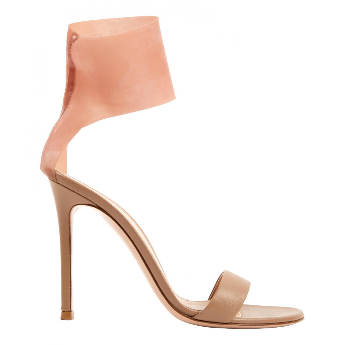 Gianvito Rossi - Sandales   pour femme en cuir - beige