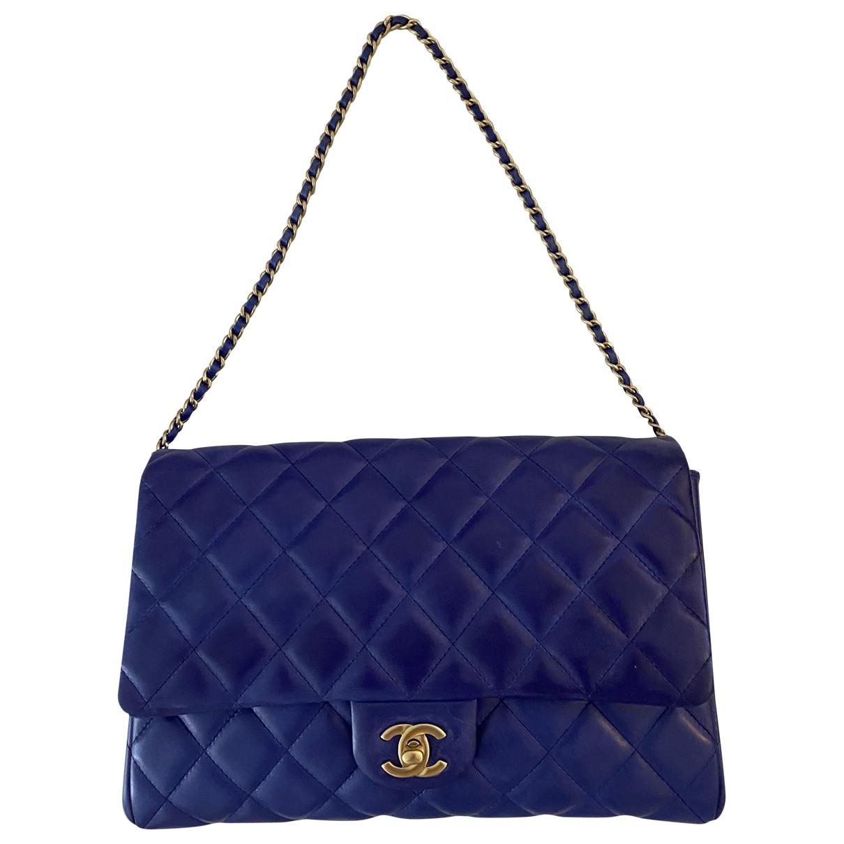 Chanel Timeless/Classique Handtasche in  Blau Leder
