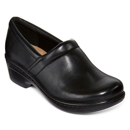 Yuu Bethanee Slip-On Shoes, 5 1/2 Wide, Black