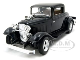 1932 Ford Coupe Black 1/24 Diecast Model Car by Motormax