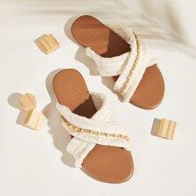 Zapatillas con tiras cruzadas con fleco con diseño de cuenta