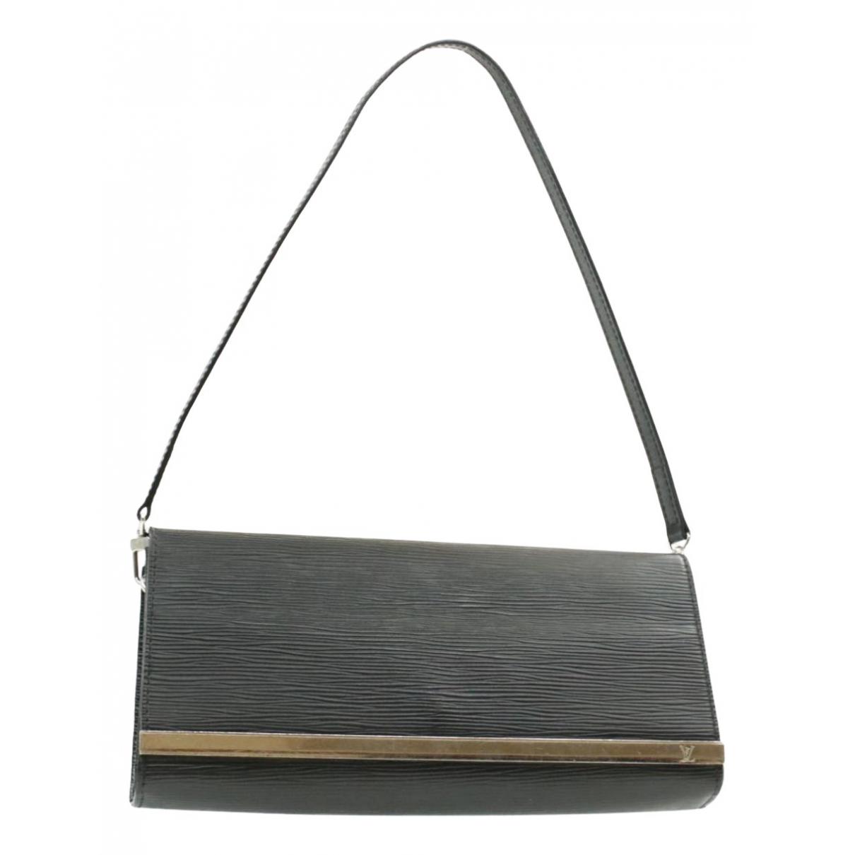 Louis Vuitton \N Clutch in  Schwarz Lackleder