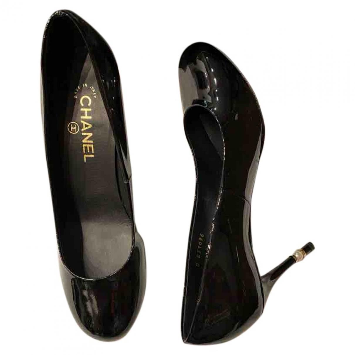 Chanel - Escarpins   pour femme en cuir verni - noir