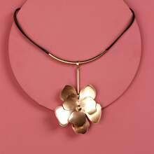 Metal Flower Charm Necklace