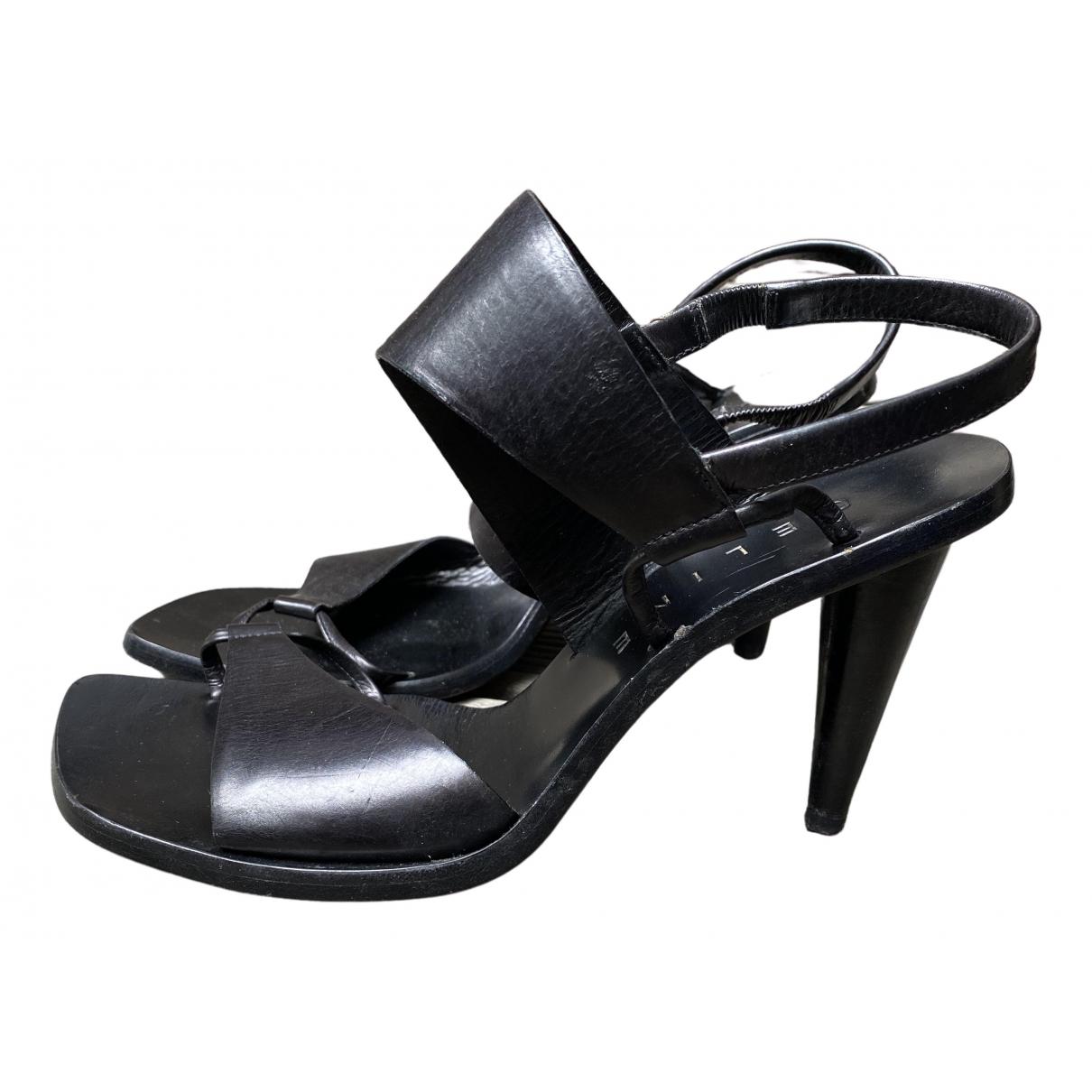 Celine Glove Heel Sandalen in  Schwarz Leder