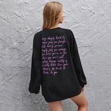 Sweatshirt Kleid mit Buchstaben Grafik und sehr tief angesetzter Schulterpartie