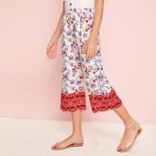 Maedchen Hosen mit Stamm und Blumen