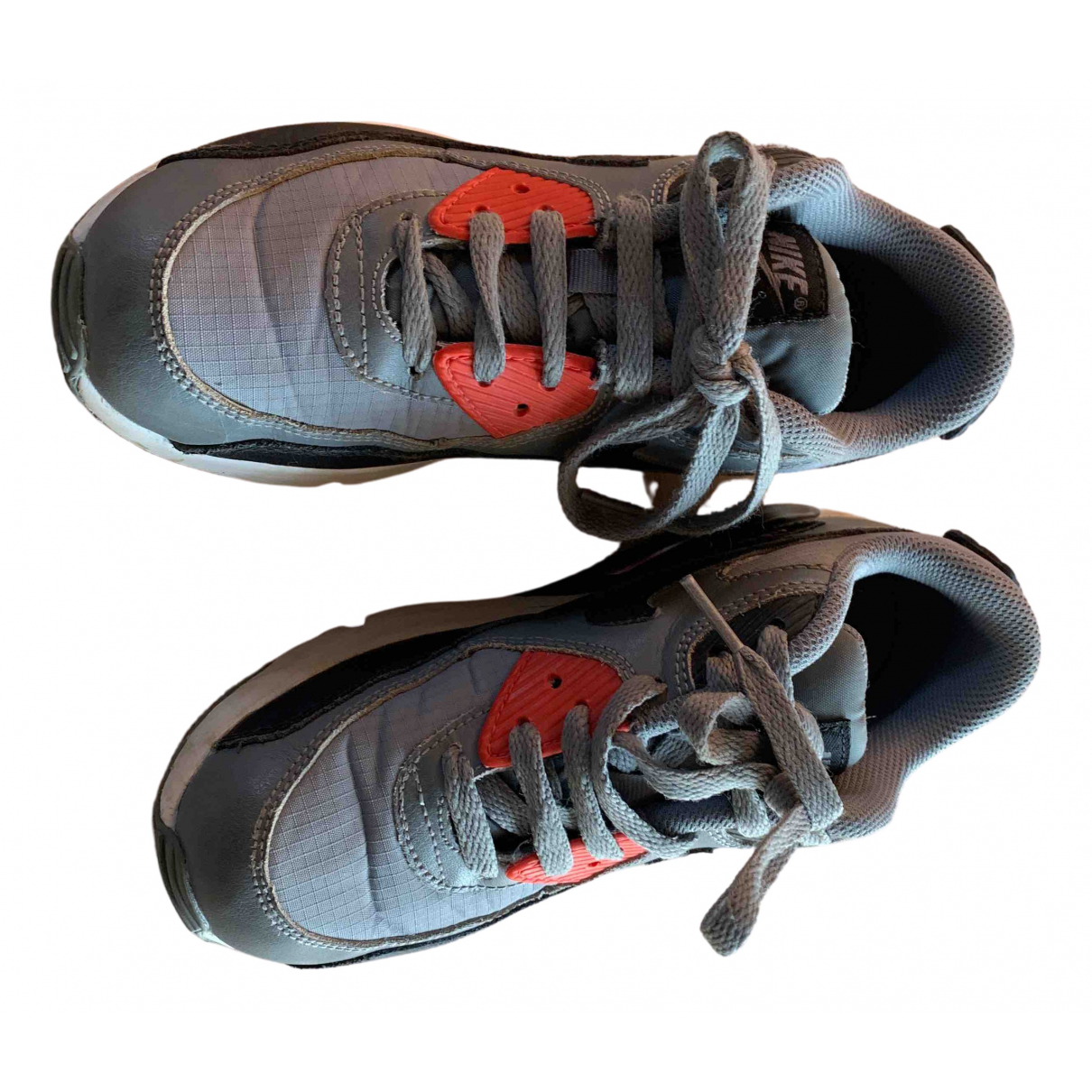 Nike Air Max 90 Sneakers in  Grau Polyester