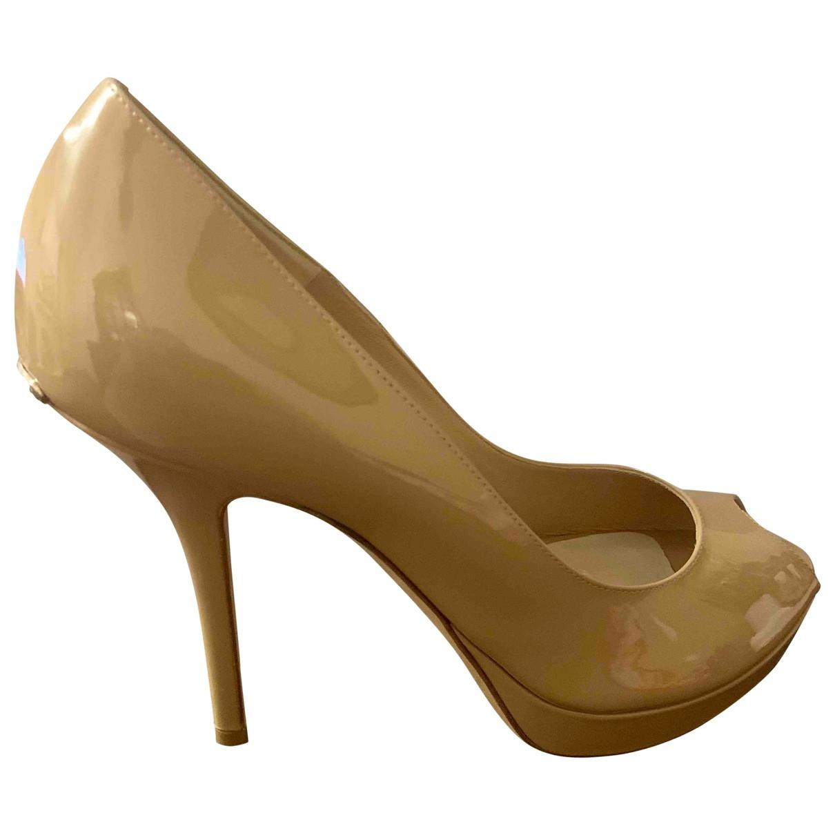 Dior - Escarpins Miss Dior Peep Toes pour femme en cuir verni - beige