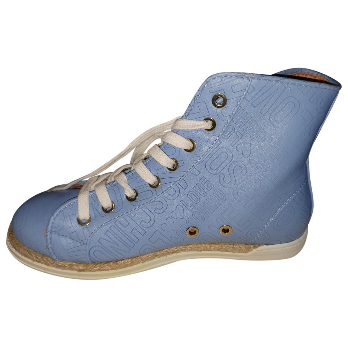 Moschino \N Sneakers in  Blau Leder