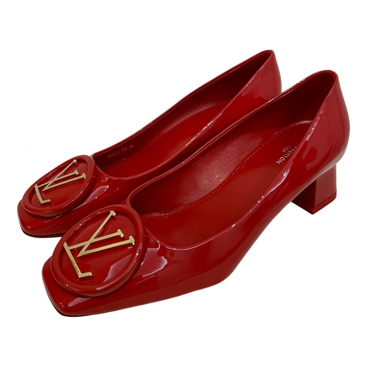 Louis Vuitton Madeleine Pumps in  Rot Lackleder