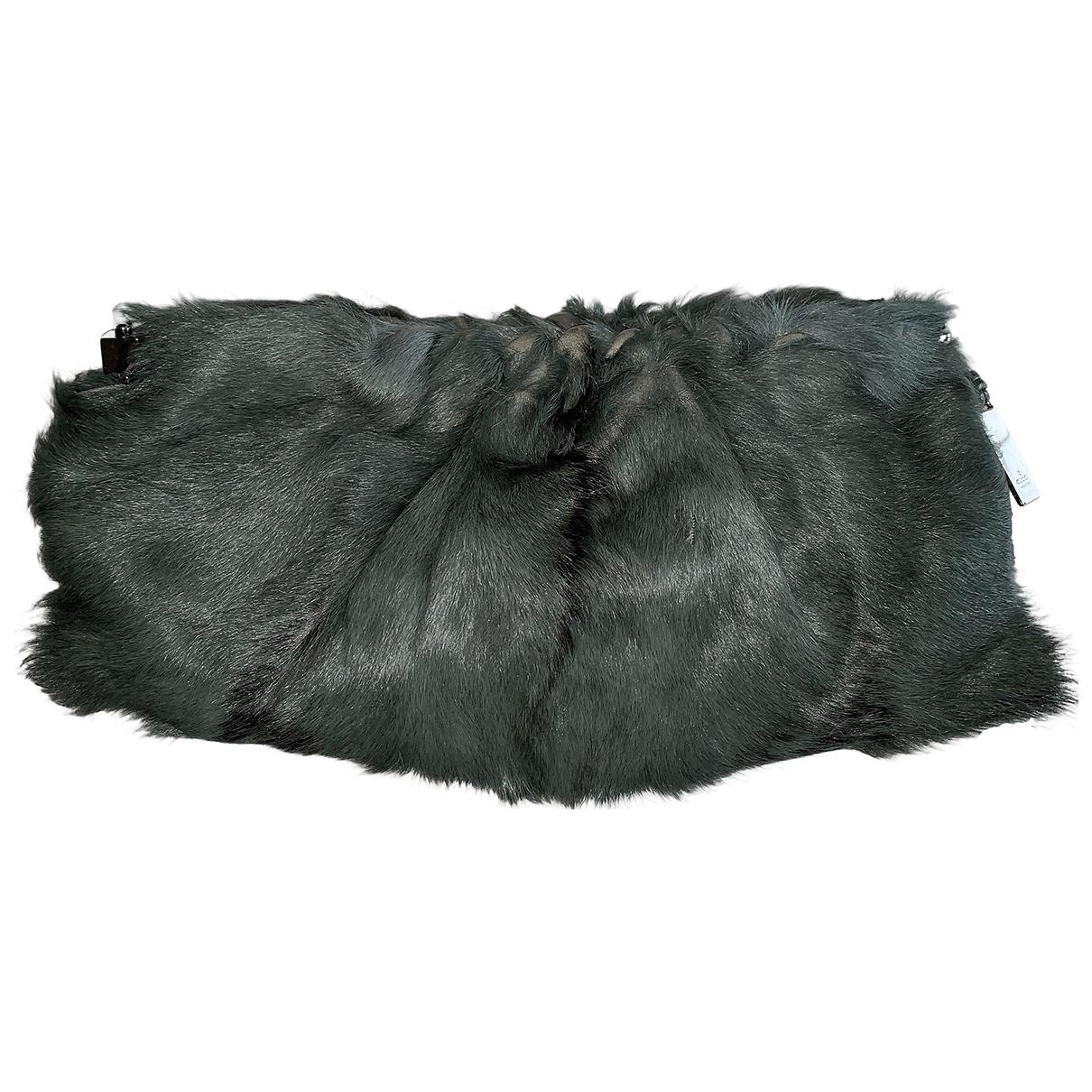 Gucci \N Green Mongolian Lamb Clutch bag for Women \N