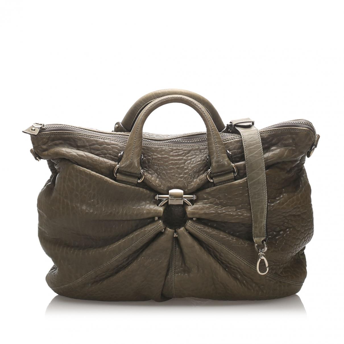 Salvatore Ferragamo \N Handtasche in  Khaki Leder