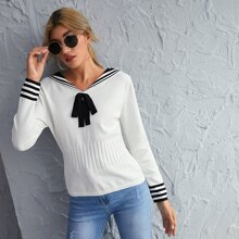 Pullover mit Exerzierkragen, Streifen und Knoten vorn