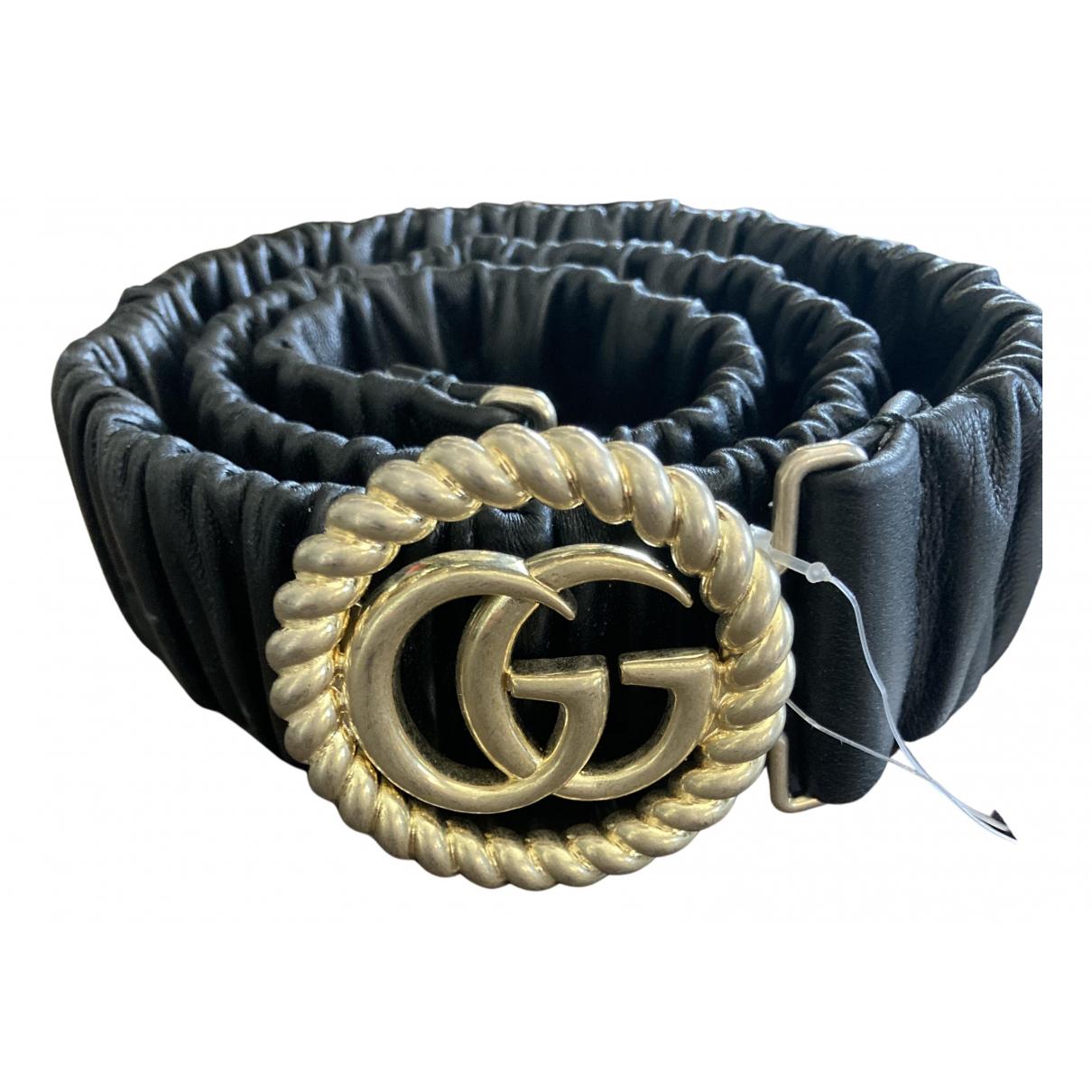 Gucci GG Buckle Guertel in  Schwarz Leder