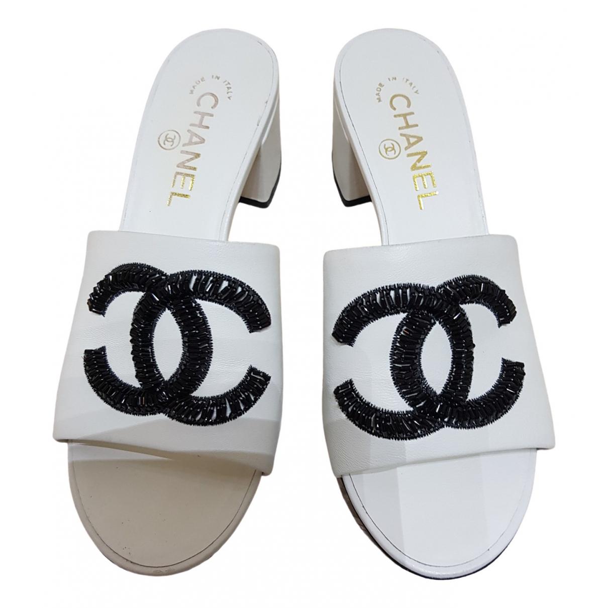 Zuecos de Cuero Chanel