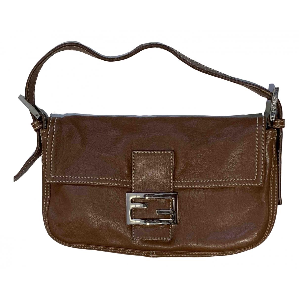 Fendi Baguette Brown Leather handbag for Women \N