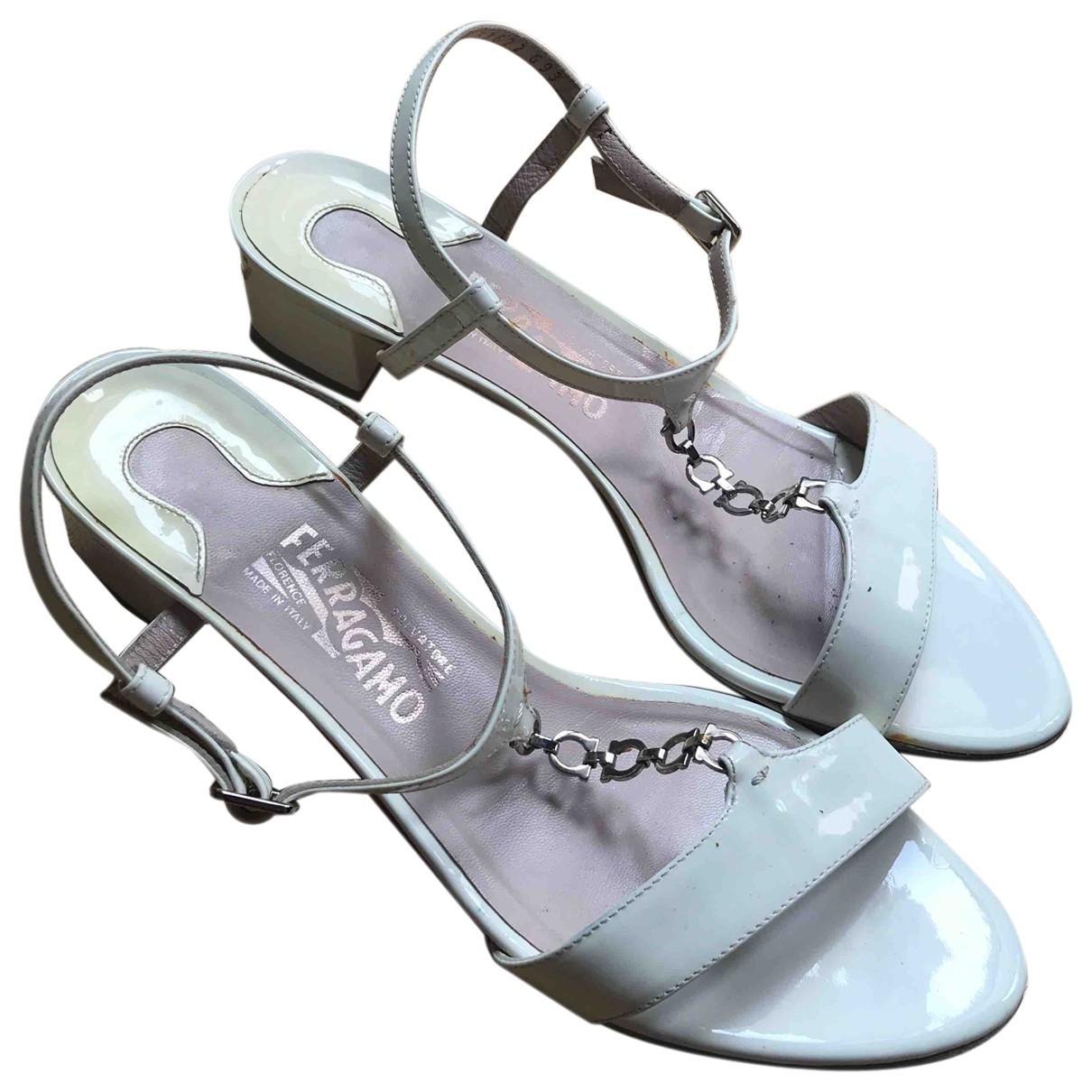 Salvatore Ferragamo \N White Patent leather Sandals for Women 39.5 EU