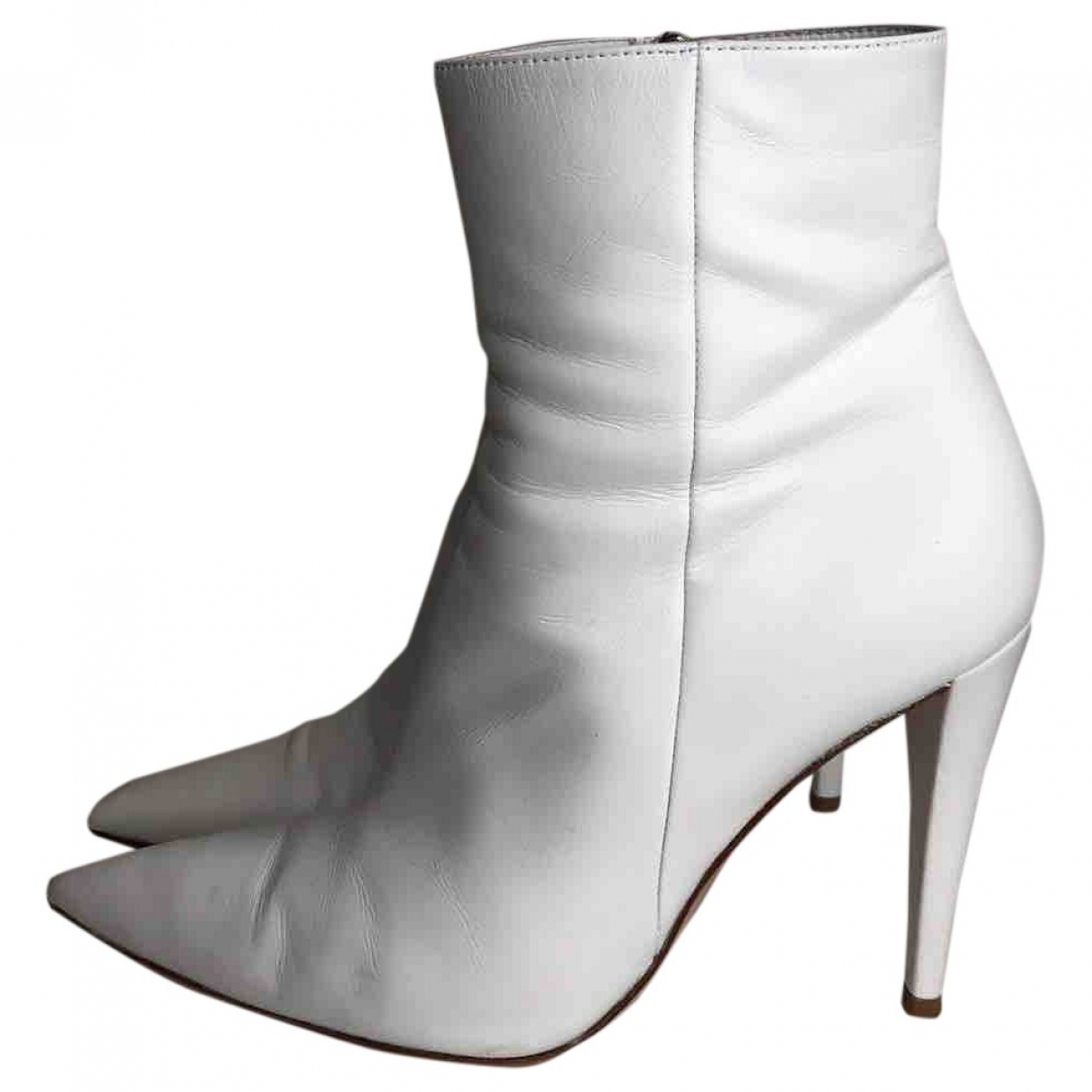 Gianvito Rossi \N White Leather Ankle boots for Women 37.5 EU