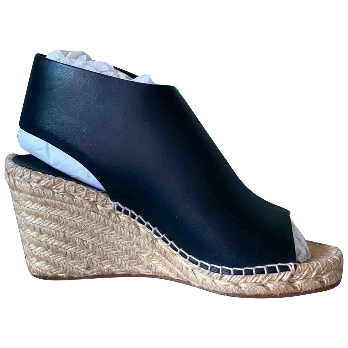 Celine \N Black Leather Sandals for Women 36 EU