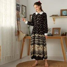 Hemdkleid mit Gaensebluemchen Muster und Knopfen vorn